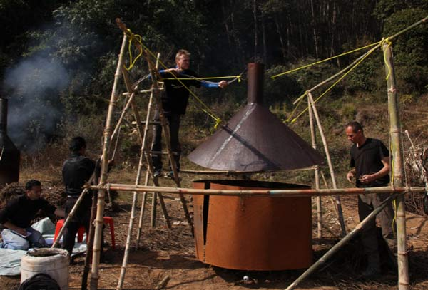 Metal flame curtain kiln during emission measurements in Nepal.